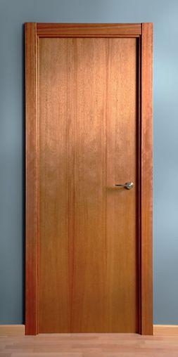 Puerta de madera maciza lisa cedro