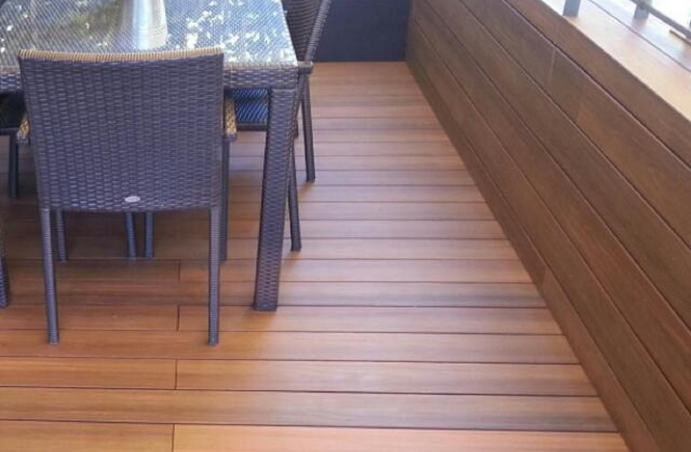 Proyectos Más Madera:  Instalación de tarima encapsulada Timberstep en un balcón en Barcelona