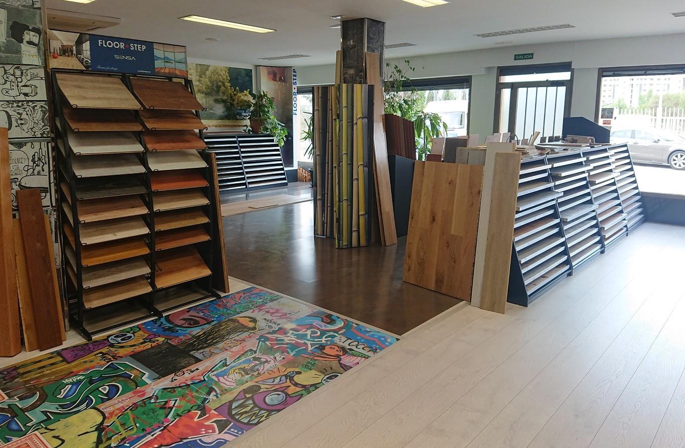 Exposición de suelo laminado Más Madera Valladolid