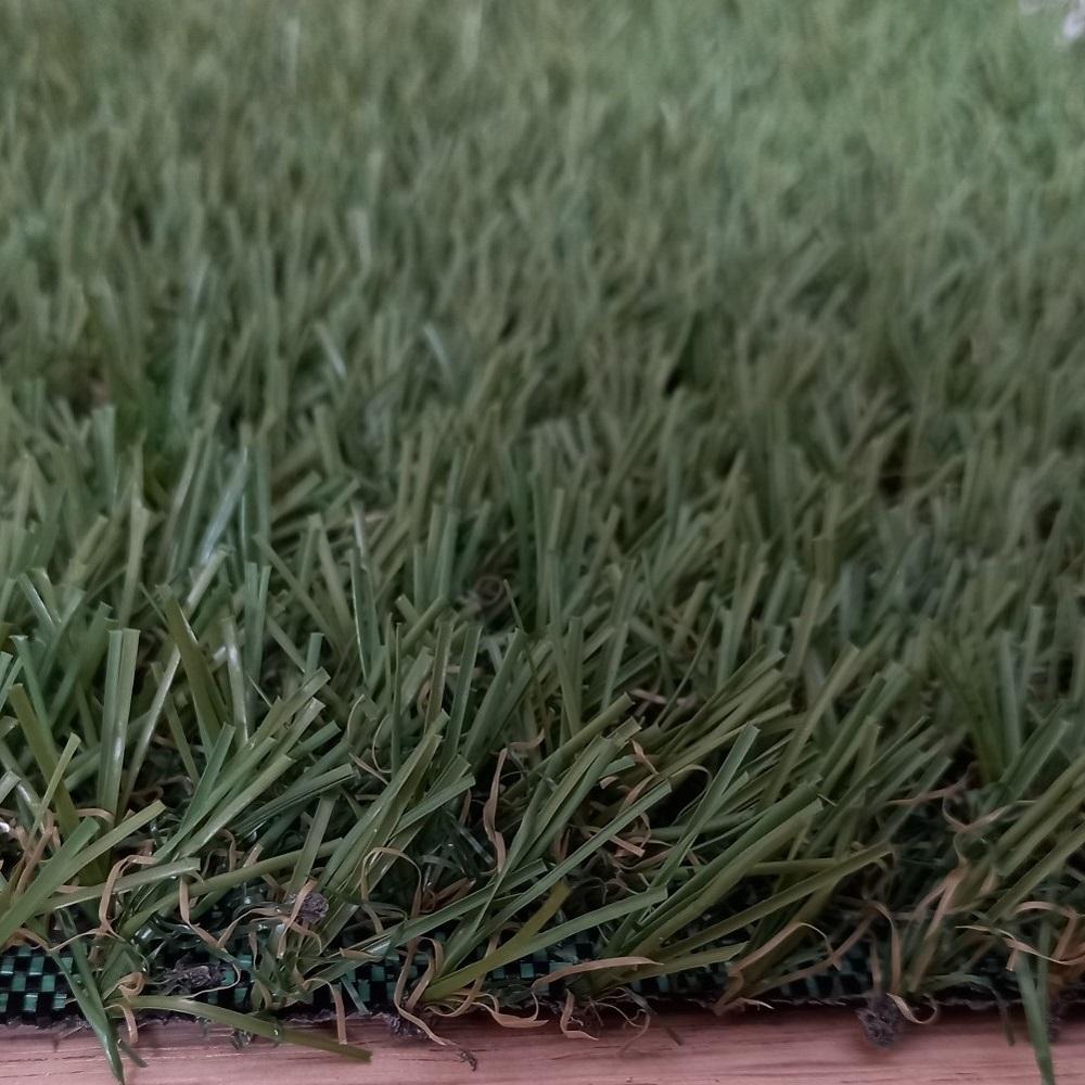 Detalle de césped artificial 20 mm